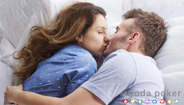 Jangan Bikin Malu, Cek 5 Kesalahan Saat Berciuman