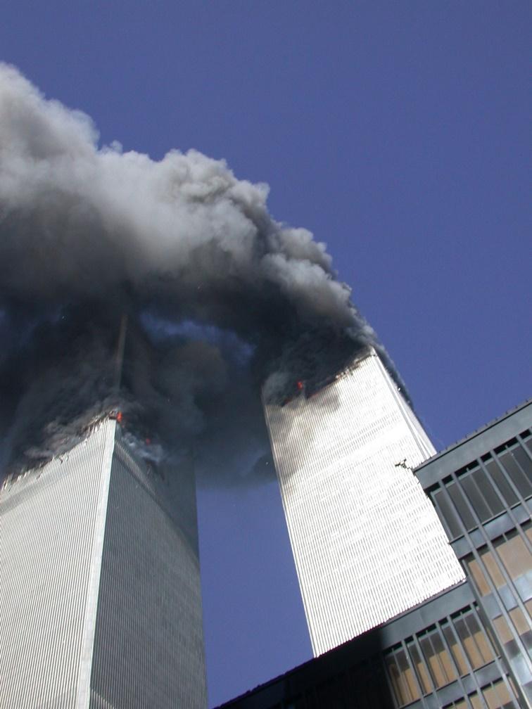En el 20 aniversario Servicio Secreto divulga fotos inéditas de las Torres Gemelas