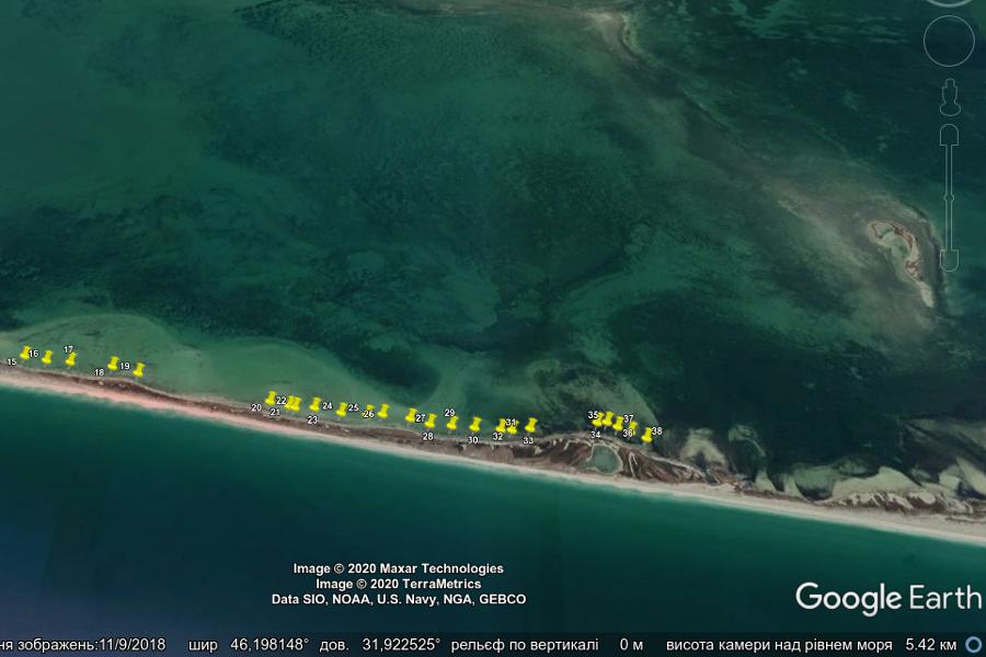 Рис. 2. Акваторія Тендрівської затоки в районі острова Смалений. Позначки вказують встановлені рибальські сітки