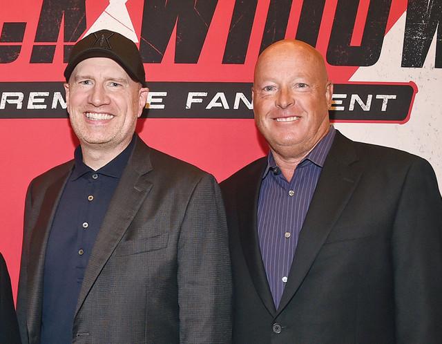 Bob Chapek nommé CEO de Disney, Bob Iger devient Executive Chairman - Page 2 LOS-ANGELES-CALIFORNIA-JUNE-29-L-R-Chairman-of-Disney-Studios-Content-Alan-Bergman-Producer-Presiden