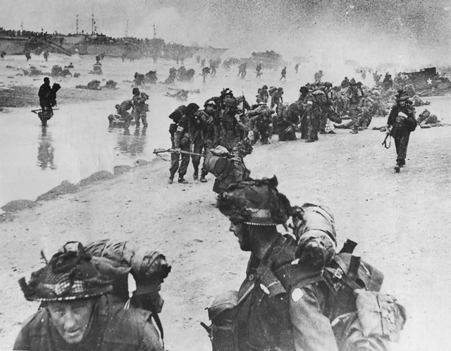 British-Troops-On-Normandy-Beach-D-Day-1944