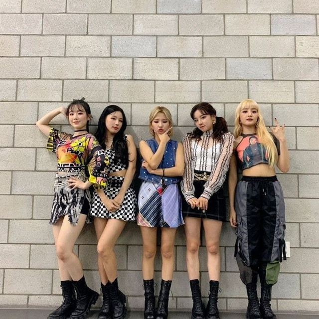 GI-DLEs-group-photos-when-Soojin-leaves-the-group-3