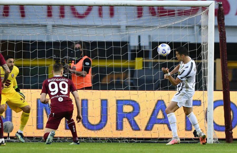 Torino-Juventus 2-2: emozioni errori e il solito CR7