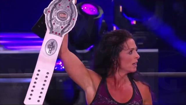 Serena Deeb continúa siendo la Campeona de NWA