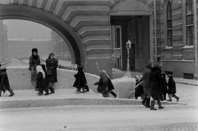 American-traveler-1956-Leningrad-18.jpg