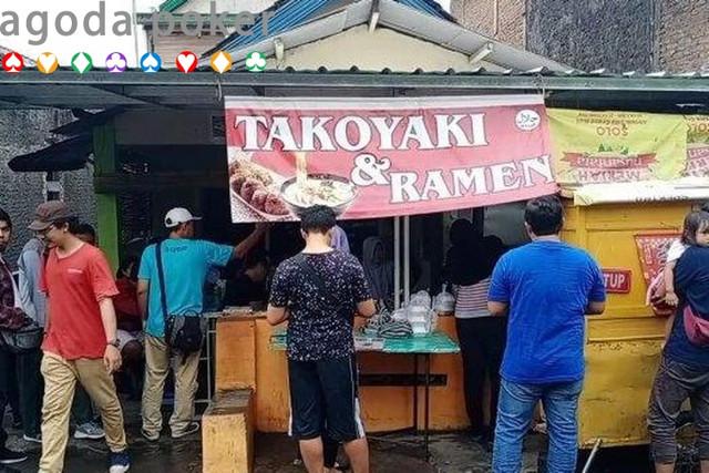 Viral Warung Takoyaki di Solo, Penjualnya Asli Orang Jepang