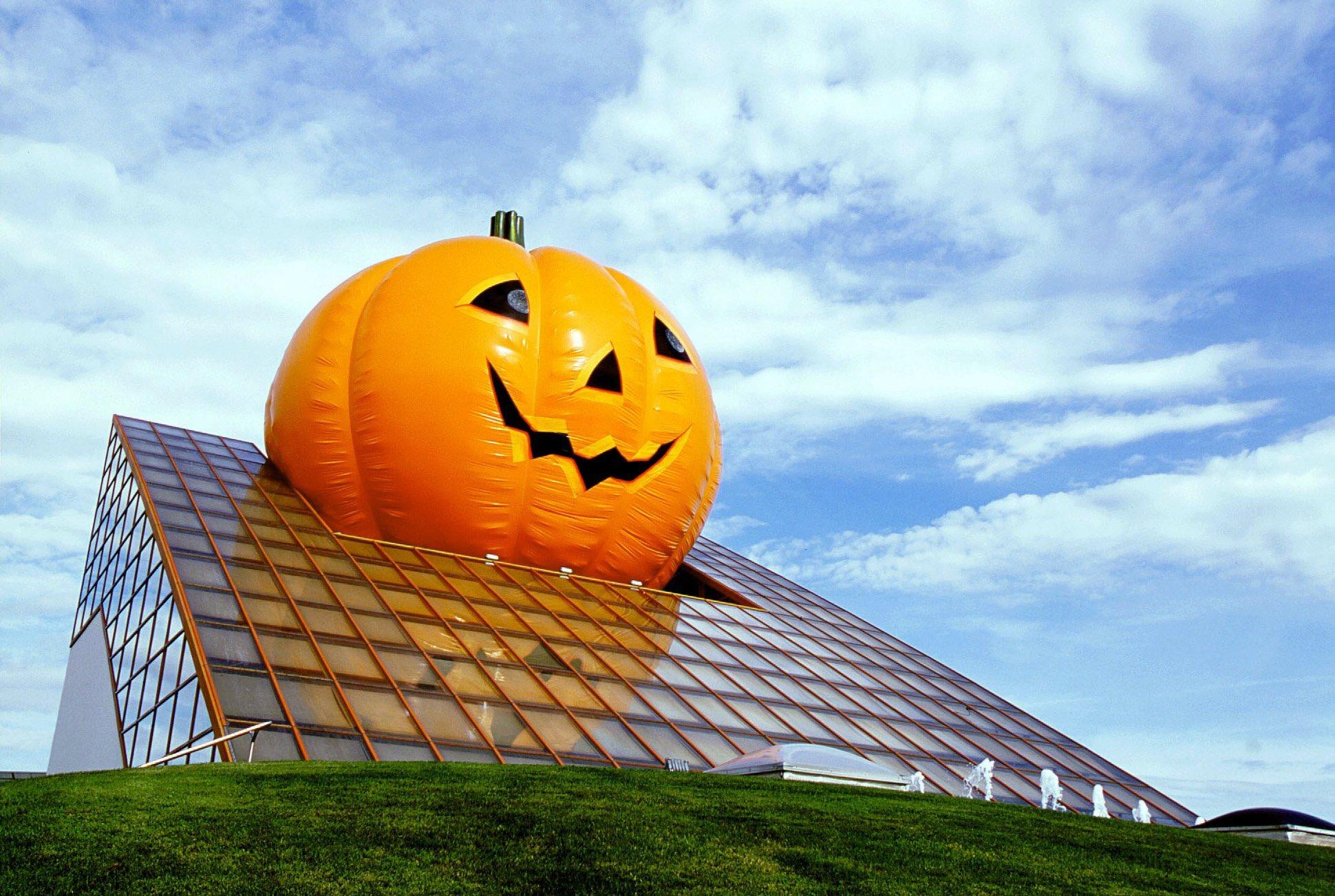 Futuroween - Halloween du 19 octobre au 3 novembre 2019 EIPgt-Qi-Ws-AAKORW-format-jpg-name-large