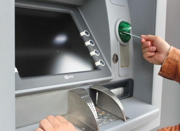 Nacionales: Los bancos no cobrarán cargos ni comisiones por usar cajeros automáticos