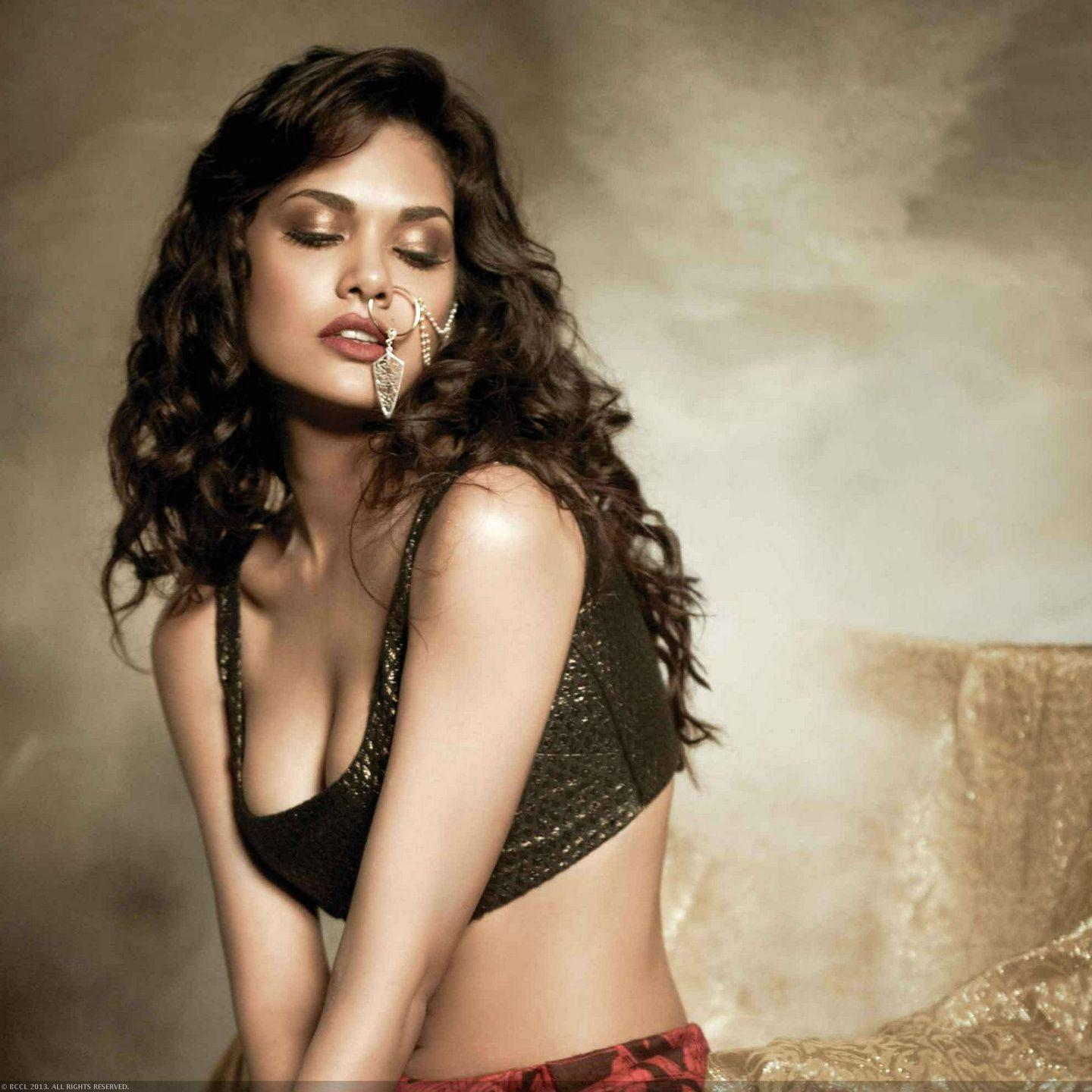 [Image: esha-gupta-hot-photoshoot2.jpg]