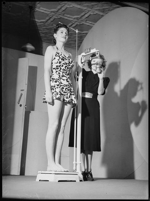 School-of-mannequins-Australia-1940-4