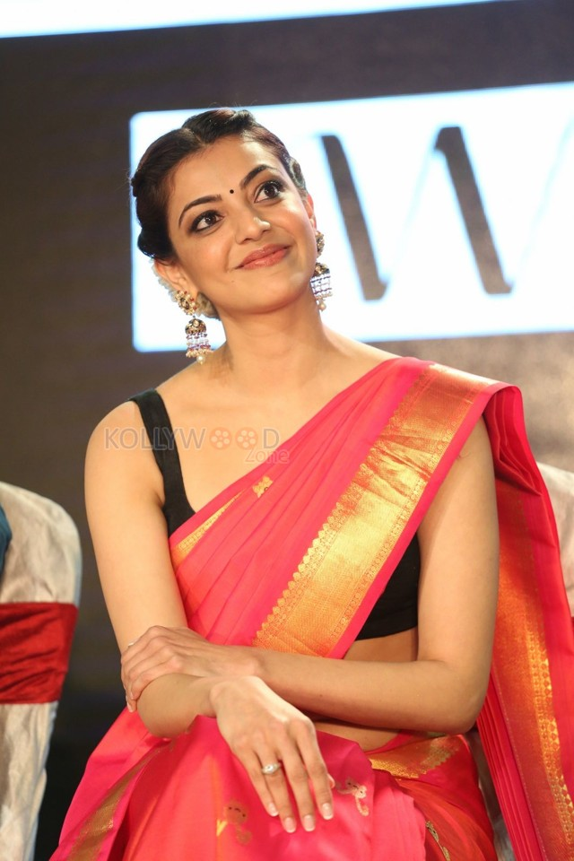 pretty-kajal-aggarwal-in-red-saree-photos-04