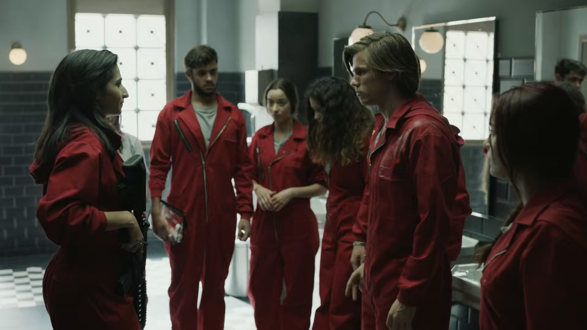 Money-Heist-S01-E08-Ep13-1080p-NF-WEB-DL-DD-5-1-x264-Telly-new-mkv-snapshot-01-29-21-2021-02-20-19-0