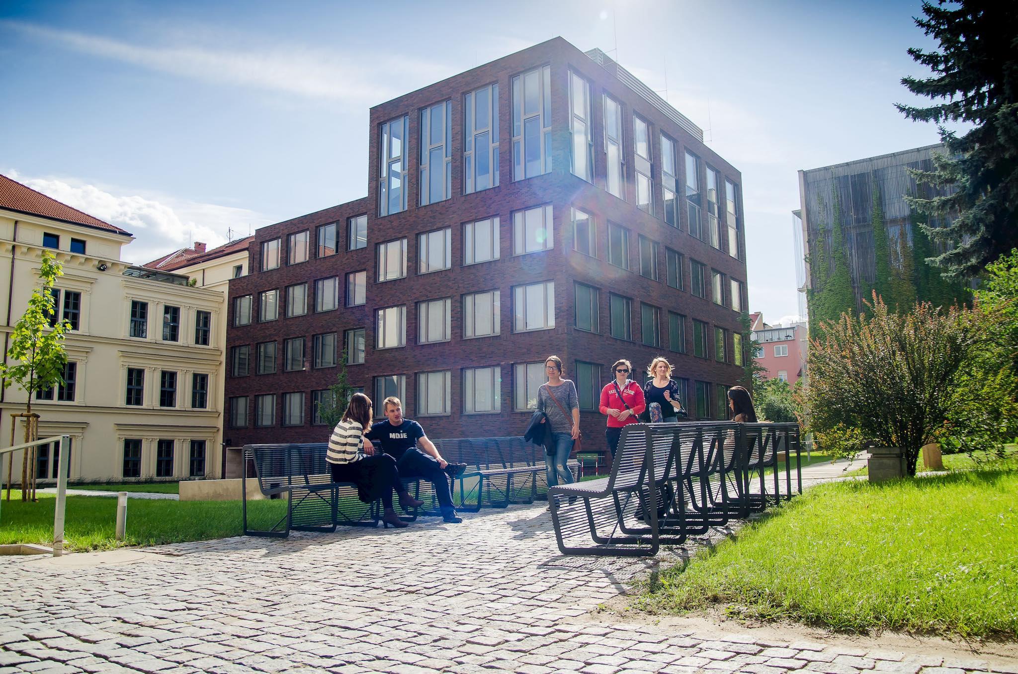 Studenti se opět budou moci pohybovat v prostorách univerzity (Zdroj: Masarykova univerzita)