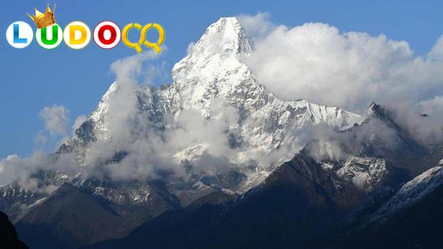 Penjelajah China Mulai Mendaki Gunung Everest di Tengah Pandemi Corona COVID-19