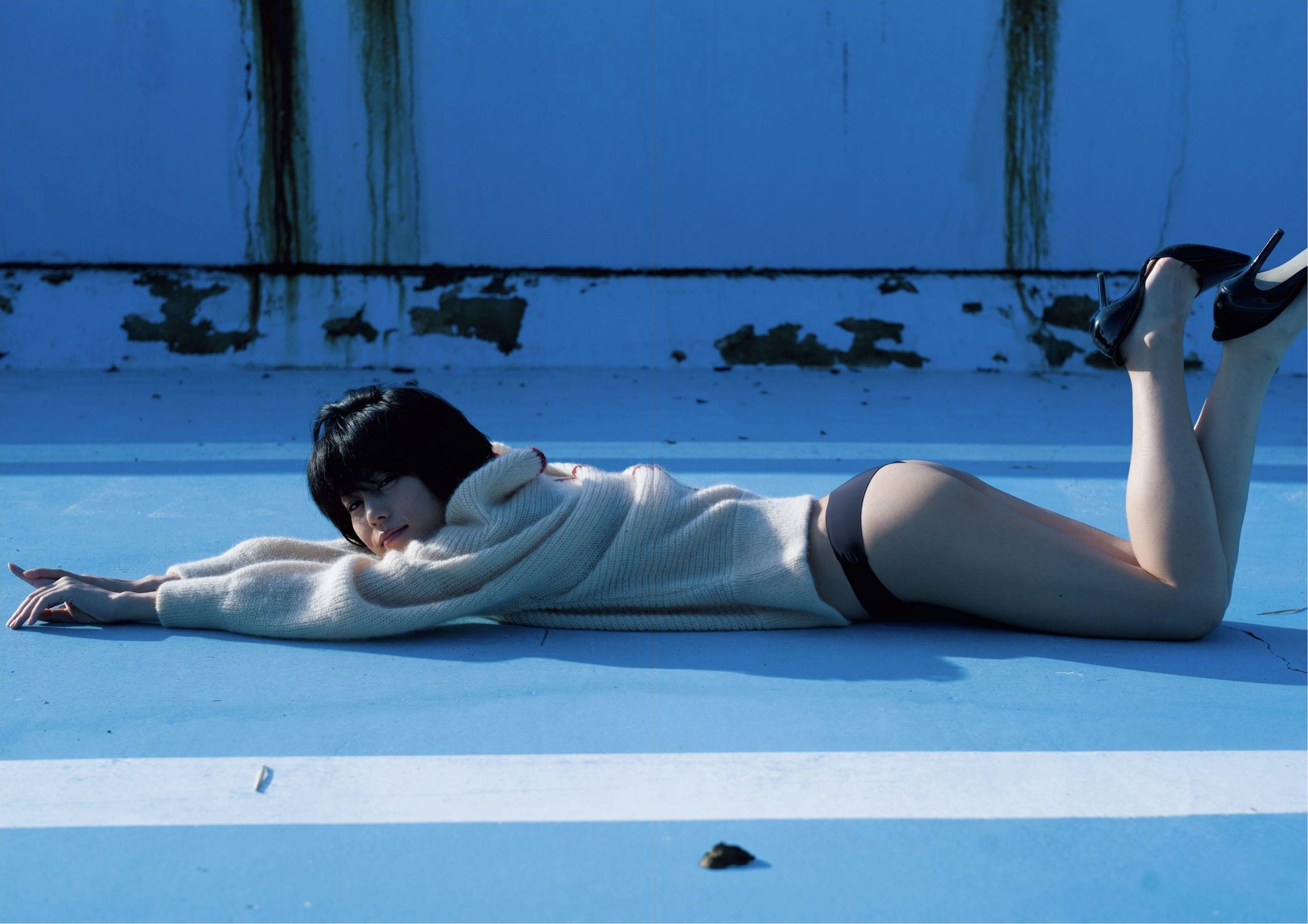 芳野友美ファースト写真集『或る女』027