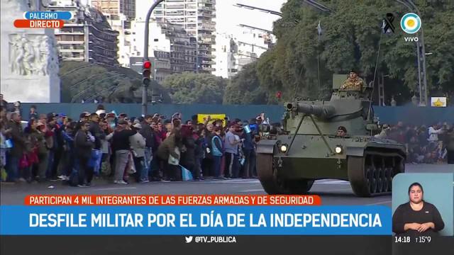 Mauricio-Macri-encabeza-el-desfile-del-9-de-Julio-TPANoticias-mp4-007211200.jpg