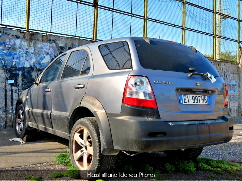 Auto Abbandonate - Pagina 19 Kia-Sportage-CRDi-2-5-140cv-04-EV997-HB