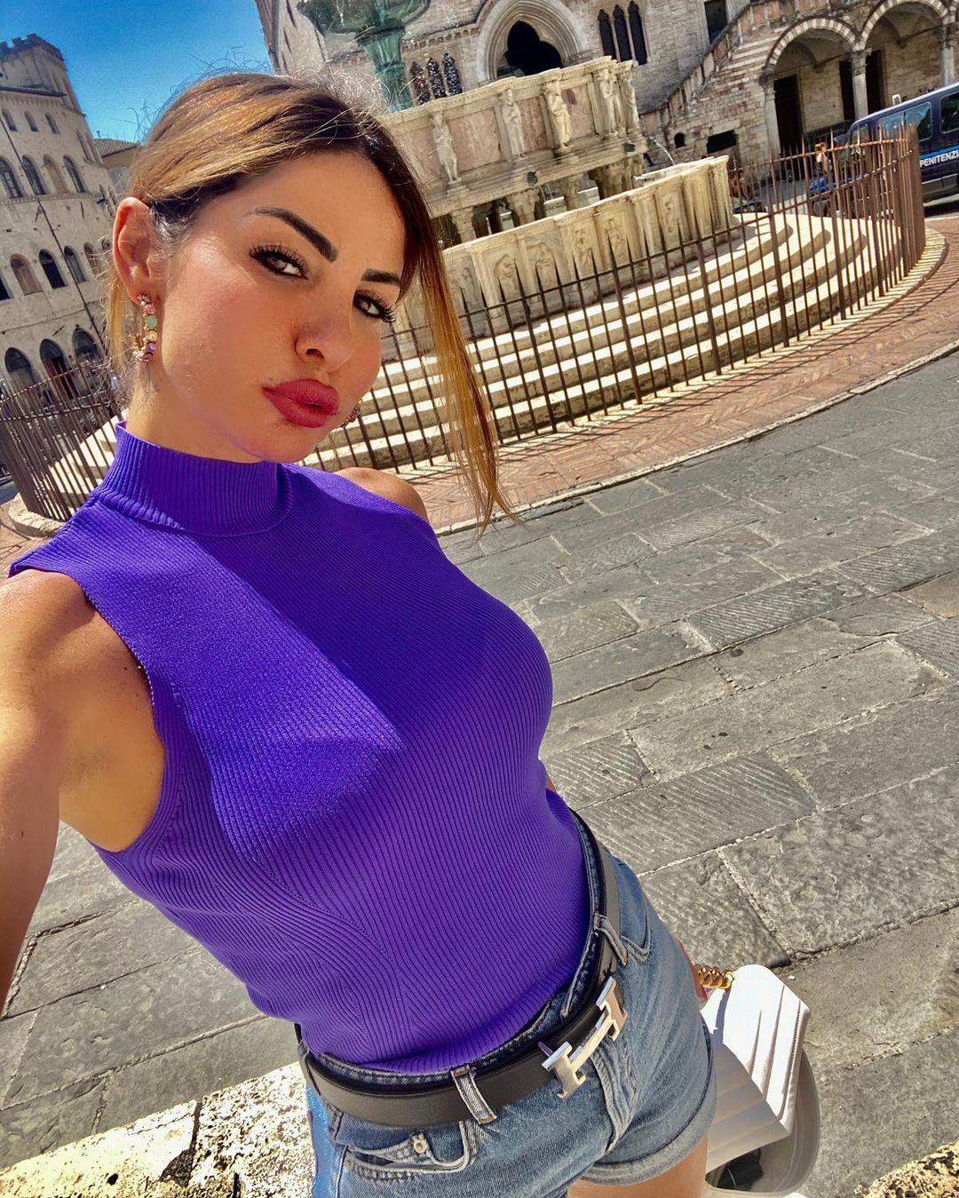 Jessica-Zanazzi-Wallpapers-Insta-Fit-Bio-10
