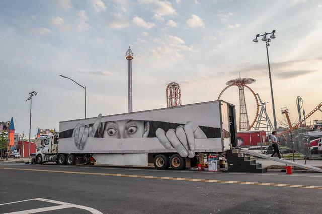 JR-truck.jpg