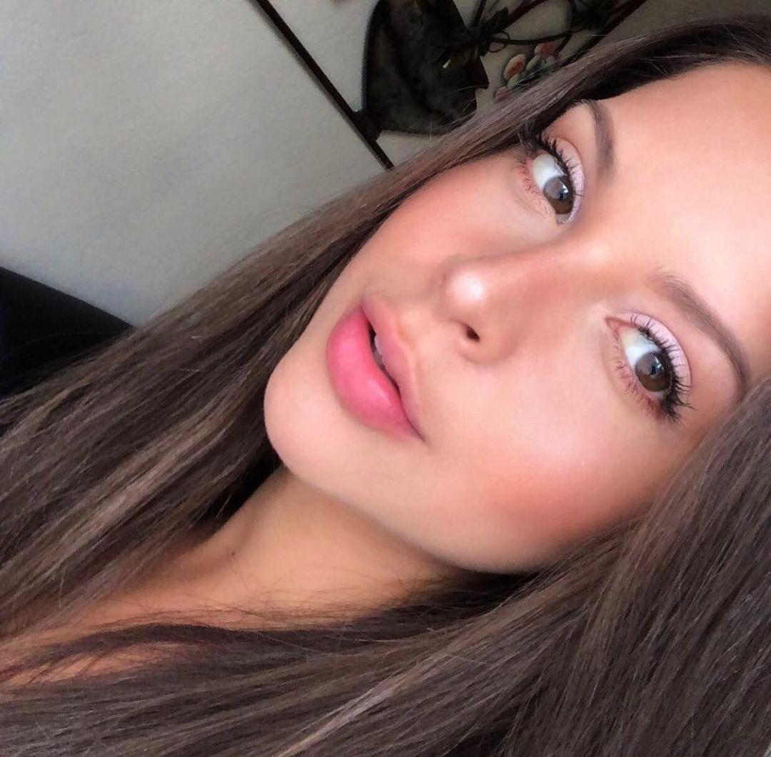 Natalia-Carvajal-Wallpapers-Insta-Fit-Bio-4