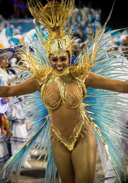 Bianca-Monteiro-2017-Rio-Carnival-Day-2-qxca-RZmm-WO1x