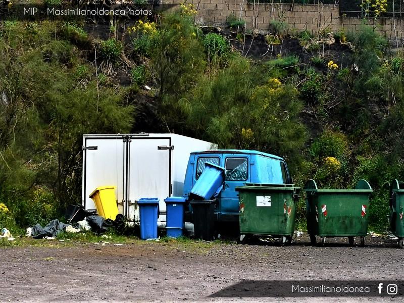 Auto Abbandonate - Pagina 13 Renault-Trafic-D-2-1-60cv-84-CT638226-1