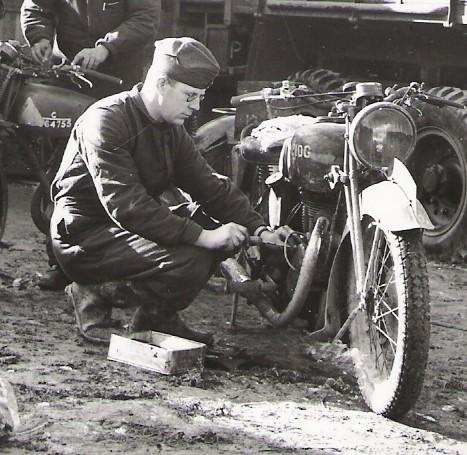 A-1939-C364755-1-Corps-OHC-AJS-RAOC-Retriever-workshop-Marcatel-IWM-O282-2
