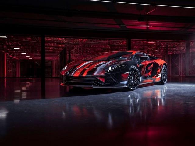 Automobili Lamborghini et Yohji Yamamoto célèbrent l'inauguration du Lamborghini Lounge Tokyo et du Studio Ad Personam 571299