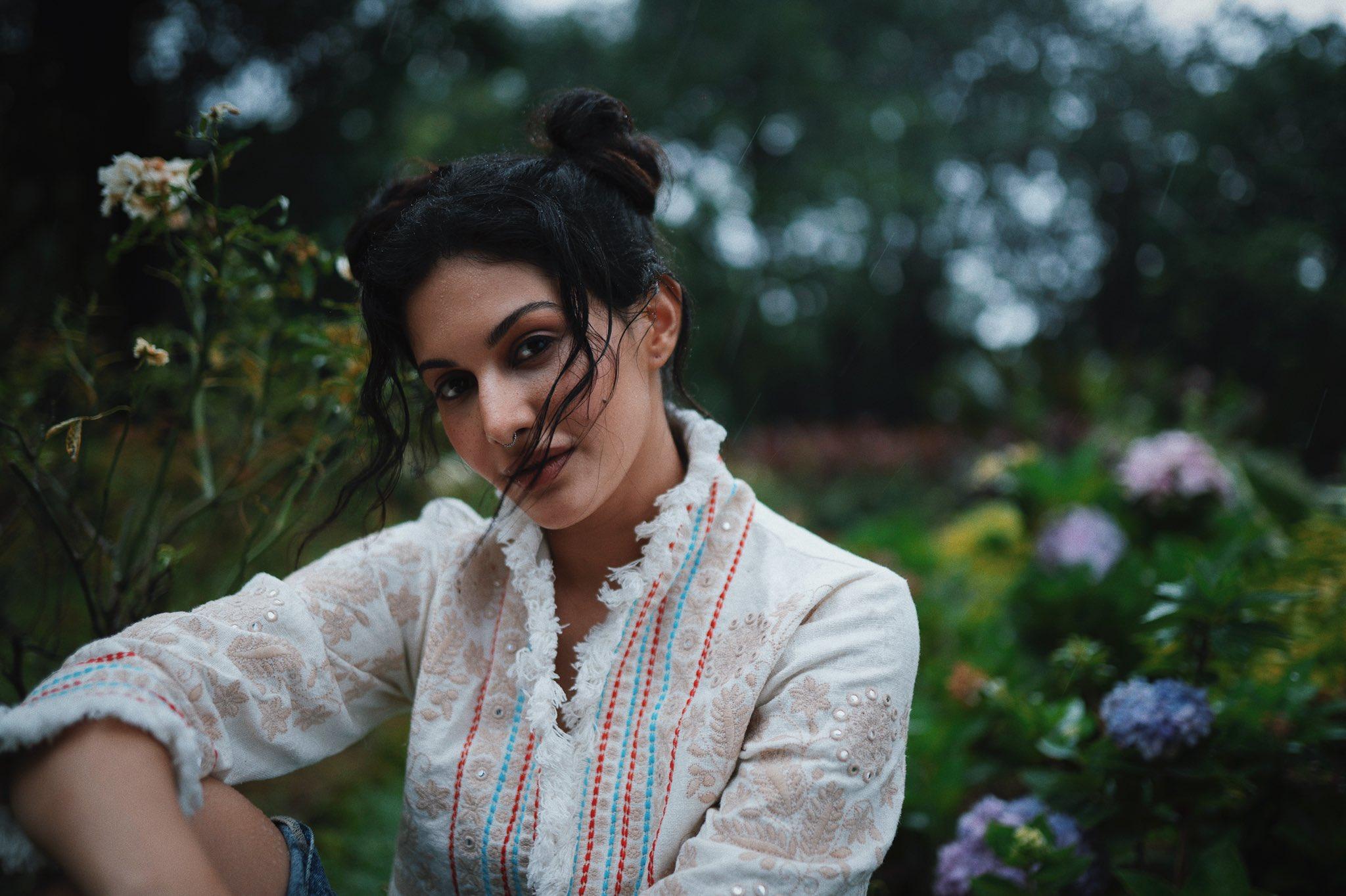 Amyra Dastur Latest Pics, Amyra Dastur hot pics, Amyra Dastur sexy pics, Amyra Dastur cute pics