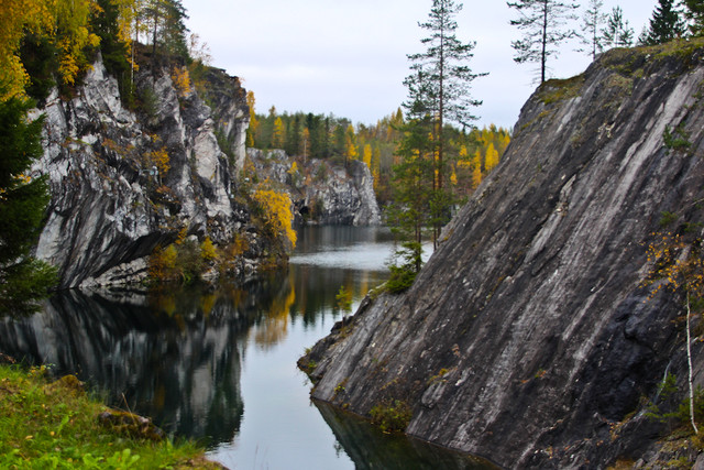 Ruskeala-Marble-Quarry-October-2011