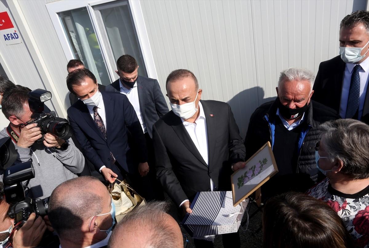 ŠEF TURSKE DIPLOMATIJE U HRVATSKOJ: Čavušoglu obišao centar Petrinje porušen u zemljotresu