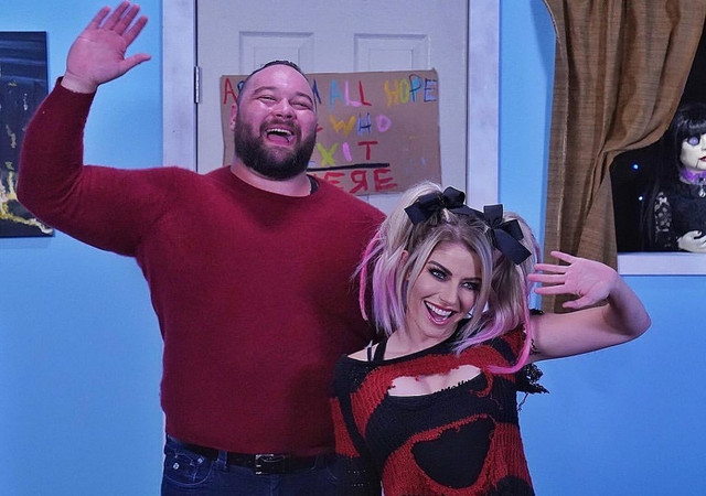 Bray Wyatt y Alexa Bliss en FireFly Fun House