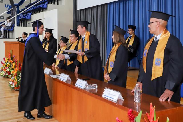 Graduacio-n-Cuatrimestral-56