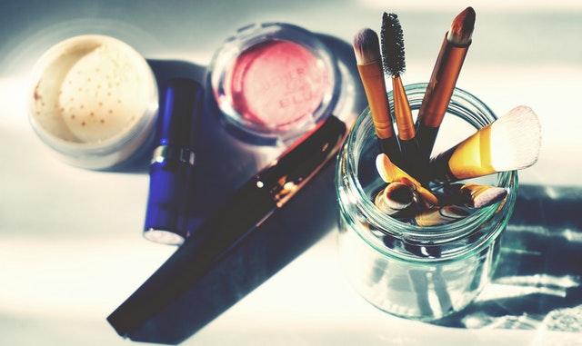 https://i.ibb.co/pKFqR1j/private-label-cosmetics-in-saudi-arab.jpg