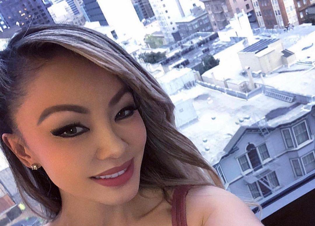 Natasha-Yi-Wallpapers-Insta-Biography-2