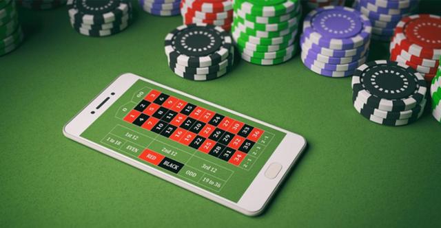 Online-Gambling-696x361