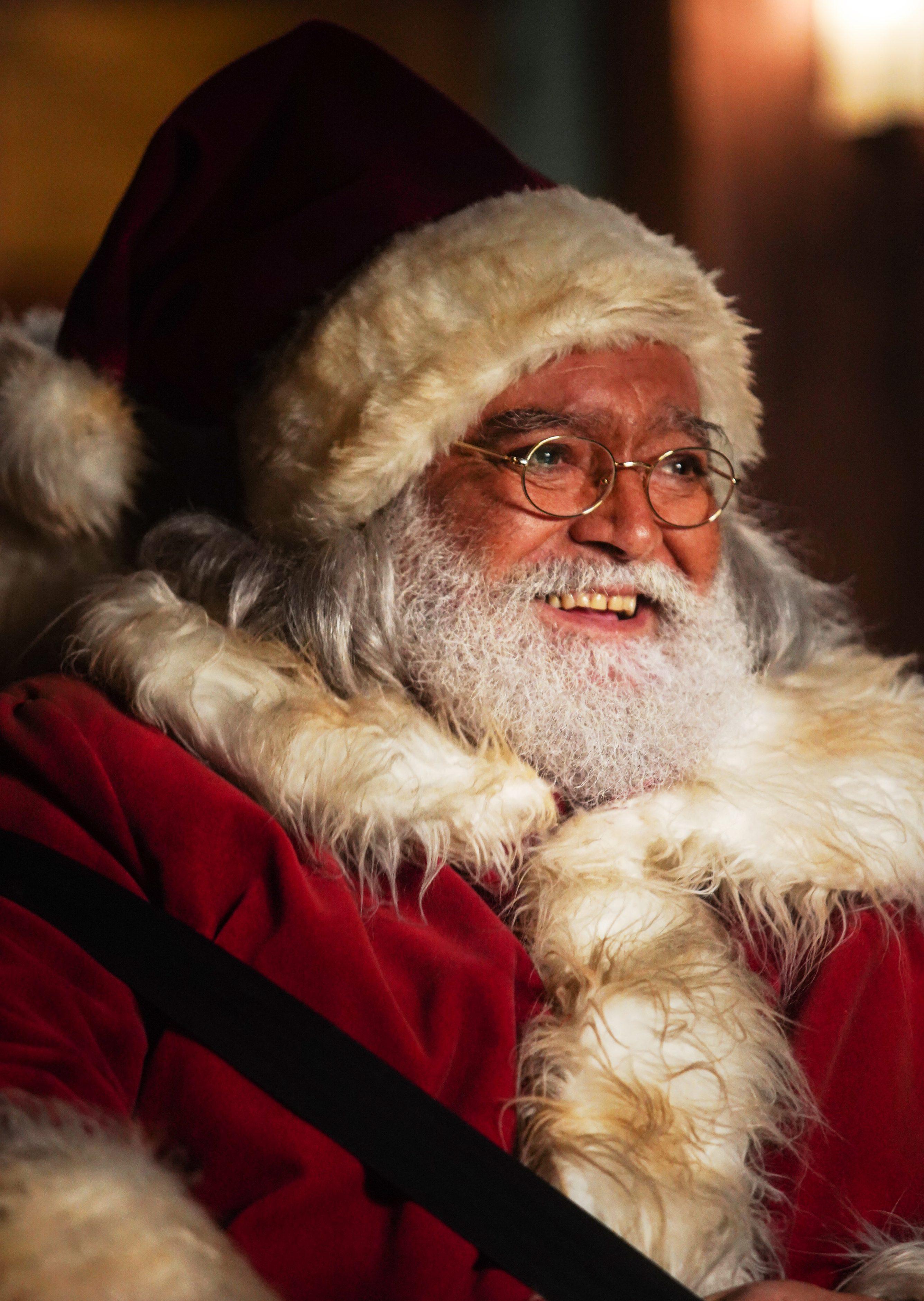 Babbo Natale Film.10 Giorni Con Babbo Natale Trailer E Cast Wondernet Magazine