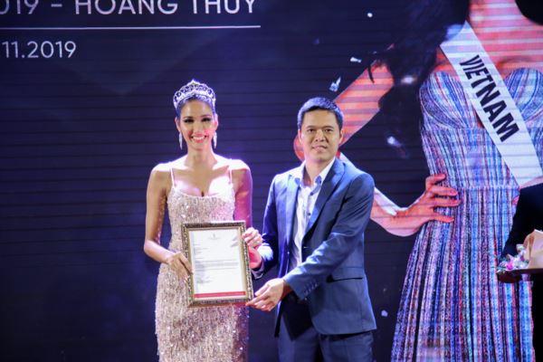 Hop-bao-Cong-bo-Hoang-Thuy-la-dai-dien-Viet-Nam-tai-Miss-Universe-2019-21-11-2019-Miss-Universe-Vietnam-44-1600x1200.jpg