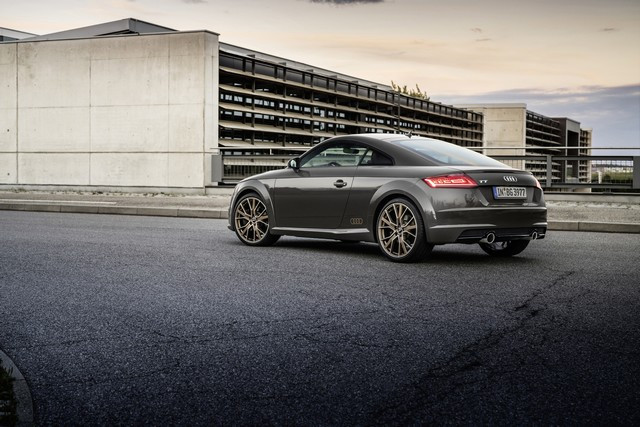 Accent sportif : l'Audi TTS competition plus A208512-medium
