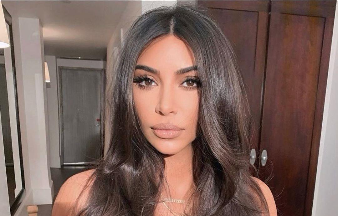 Kim-Kardashian-Wallpapers-Insta-Fit-Bio-6