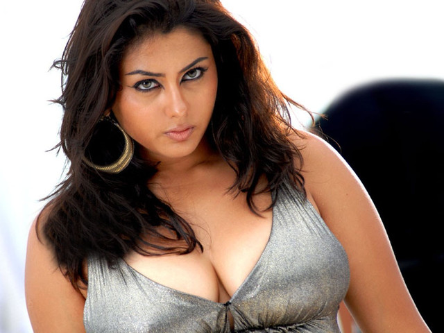 [Image: namitha-hot-bio-facts-history-height-weight-148310.jpg]