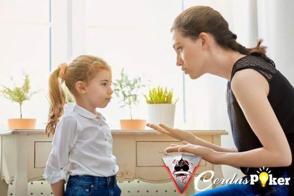 5 Kebiasaan Orangtua yang Merugikan Anak Saat Dewasa
