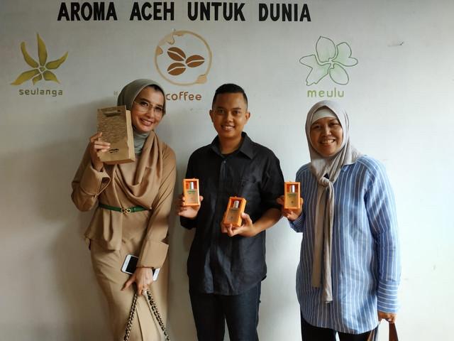 Minyeuk Pret, Satu-Satunya Parfum Yang Bisa DIendorse Sama Presiden Jokowi Gan!