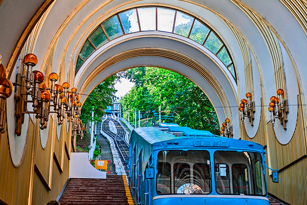 Yerevan Travel Guide Getting around