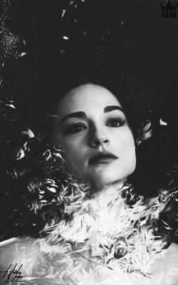 Crystal Reed 7