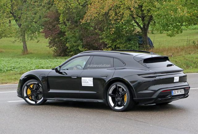 2020 - [Porsche] Taycan Sport Turismo - Page 2 48-A6-F10-D-6435-4-F40-B7-C2-3467-F2-F2-DE7-C