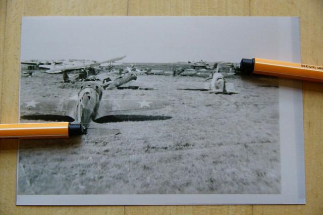 2202-Foto-Flugzeug-erbeutete-zerst-rte-Flugzeuge-Flugplatz-in