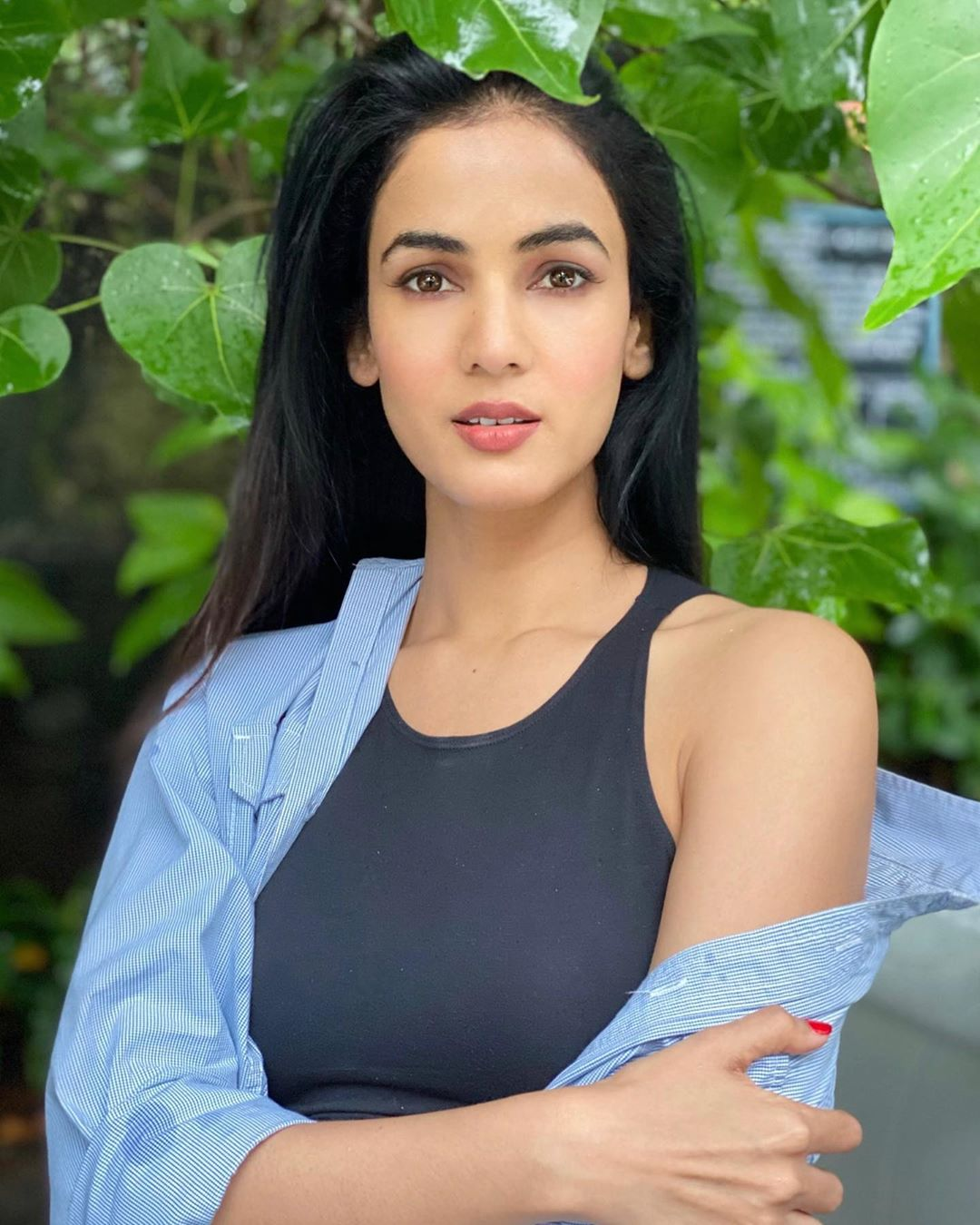 Sonal-Chauhan-Wallpapers-Insta-Fit-Bio-9