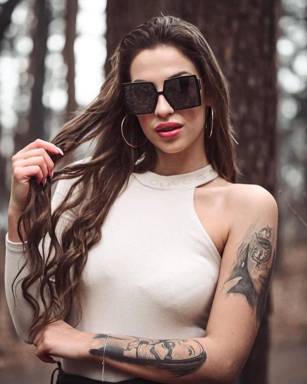 Adrianna-Gotowicka-Wallpapers-Insta-Fit-Bio-18
