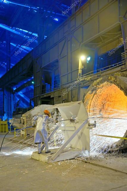 https://i.ibb.co/pnggKzn/depositphotos-72500891-stock-photo-clean-ladle-of-molten-steel.jpg